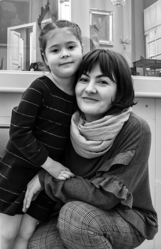 Дочь и внучка Беллы Ахмадулиной на презентации книги на Мойке, 12. Фото Светланы Кожары