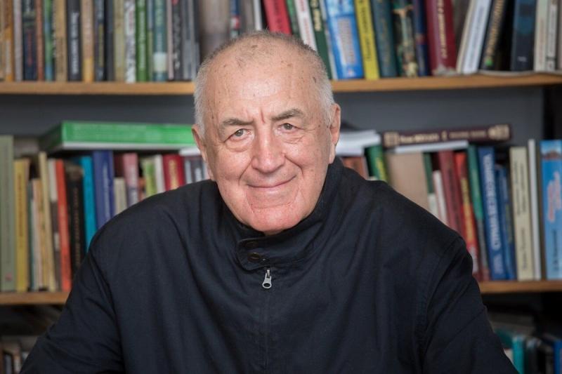 8 декабря исполнилось 80 лет нашему автору, одному из известнейших писателей современной России Валерию Георгиевичу Попову