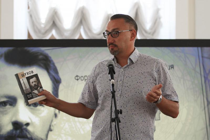 Егор Серов в программе «Утро России» рассказал о книгах «Бродский: Русский поэт», «Меценат», «Легендарные разведчики», «Веласкес» и «Авраам Линкольн»