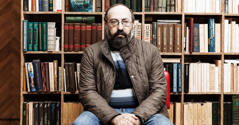 16 января исполнилось 55 лет нашему автору, филологу и историку Валерию Игоревичу Шубинскому