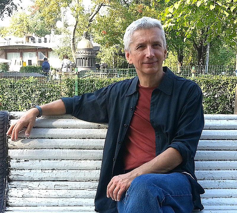 23 декабря исполняется 60 лет нашему автору Василию Ярославовичу Голованову – известному писателю, журналисту, путешественнику