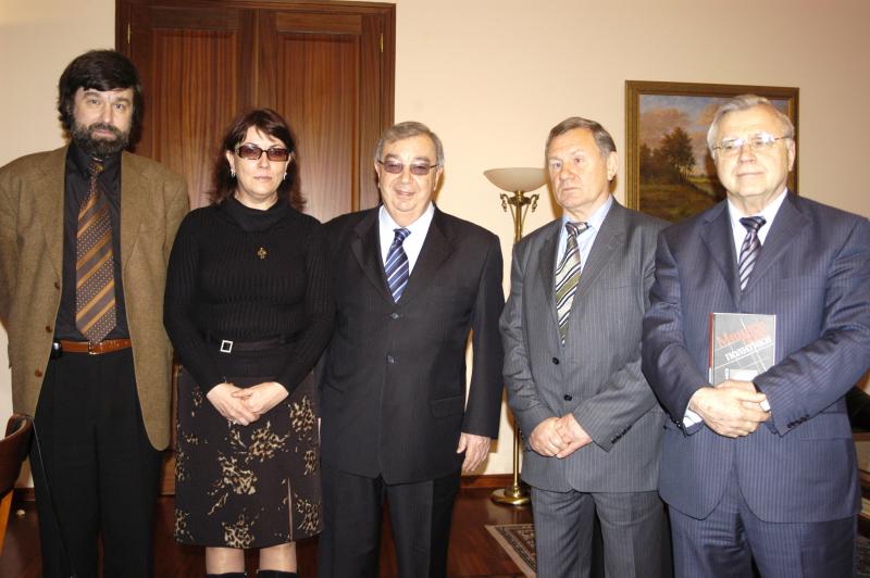 С Евгением Максимовичем Примаковым, автором книги «Минное поле политики»