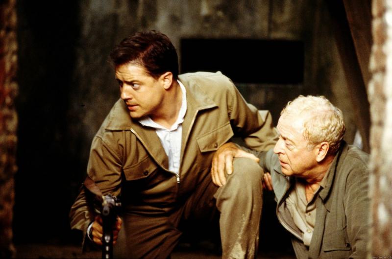 Кадр из фильма «Тихий американец» (2002) с Бренданом Фрэйзером и Майклом Кейном