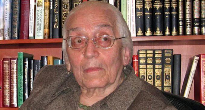 26 октября исследовательнице античной литературы, хранительнице наследия выдающегося русского философа Алексея Лосева Азе Алибековне Тахо-Годи исполнилось 95 лет