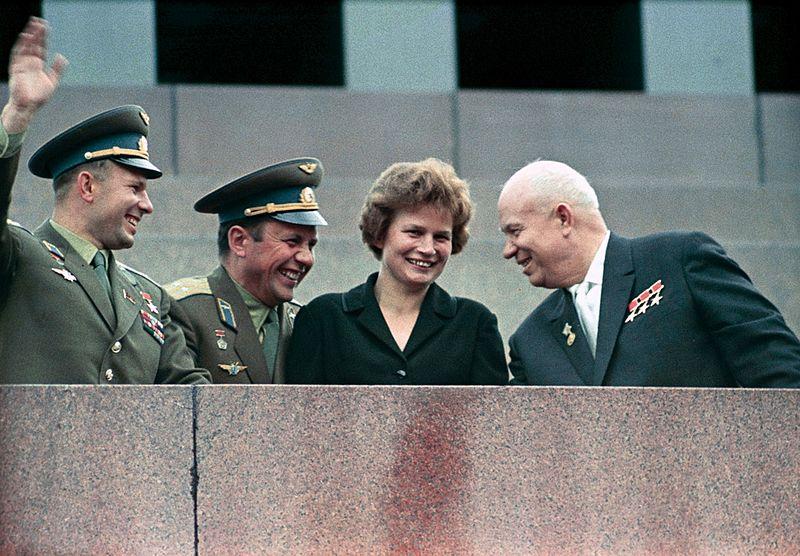 Юрий Гагарин, Павел Попович, Валентина Терешкова и Никита Хрущёв, 1963 год. Фото: «РИА-Новости»