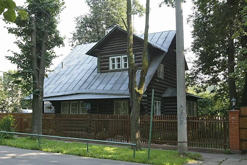 Поселок «Сокол». Частный жилой дом. 2004 Фото: PHOTOXPRESS