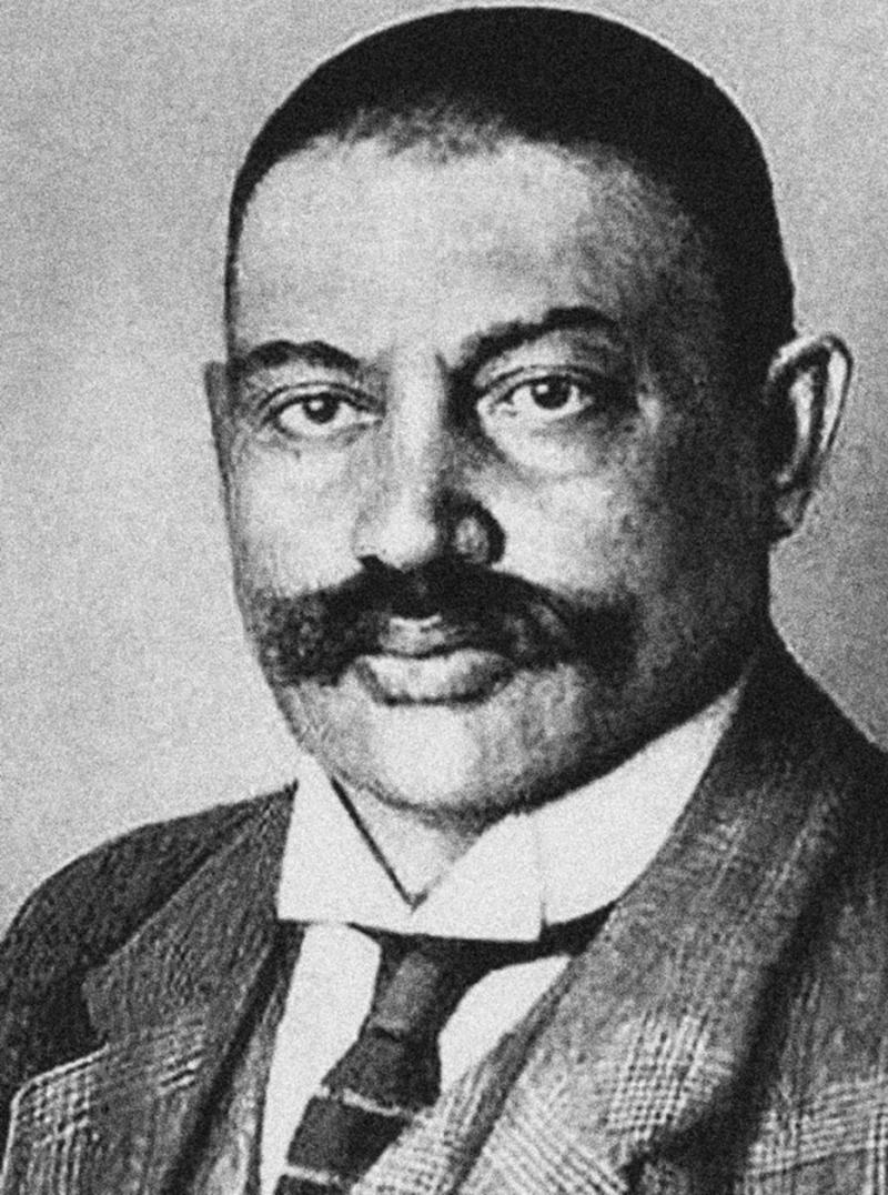 Леонид Юзефович советует читать «Азефа»