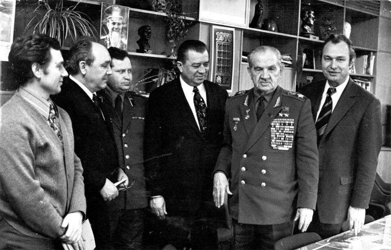 С маршалом Василием Ивановичем Чуйковым