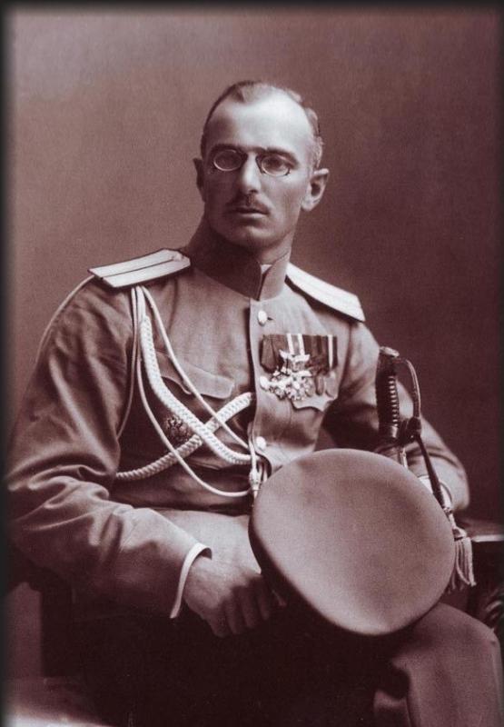 Полковник (незадолго до смерти — генерал-майор) Михаил Дроздовский