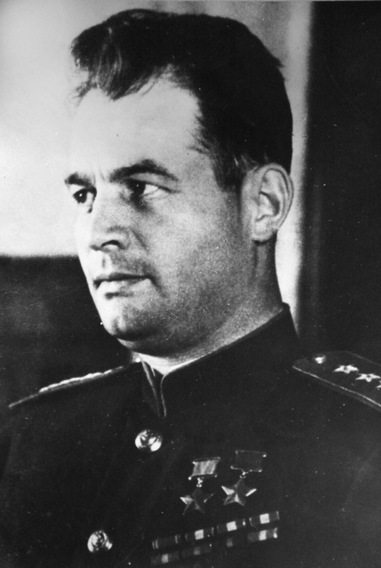 Иван Данилович Черняховский (1907—1945)