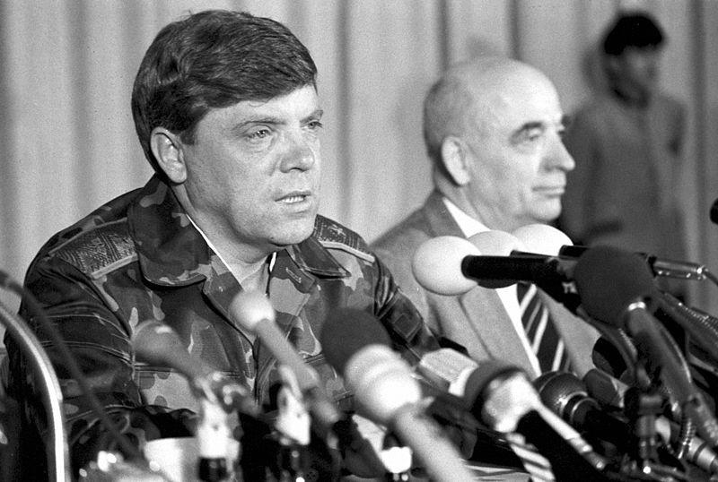 7 ноября Герою Советского Союза, герою первой книги серии «ЖЗЛ: Биография продолжается…» исполнилось 75 лет