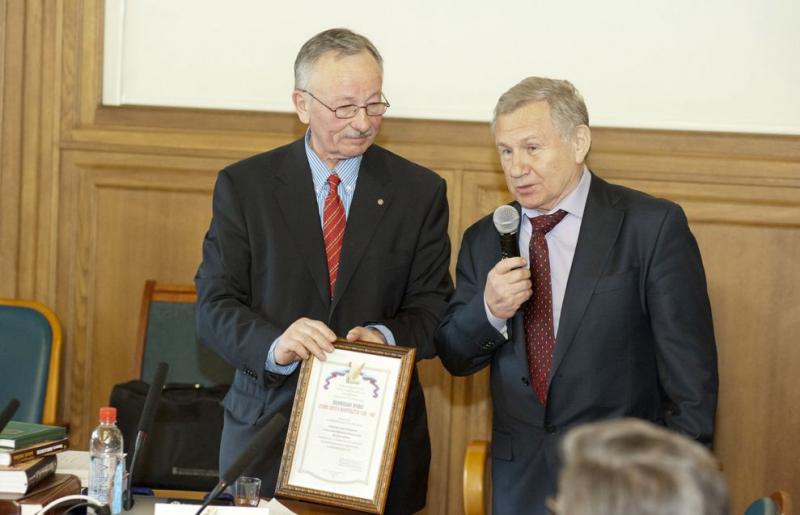 Святослав Рыбас: «Россия на литературные премии, к сожалению, небогата…»