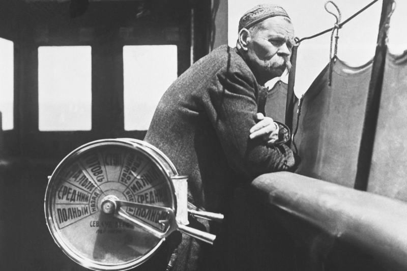 28 марта – 150 лет со дня рождения великого русского писателя Максима Горького, продолжившего в 1933 году издание серии «ЖЗЛ»