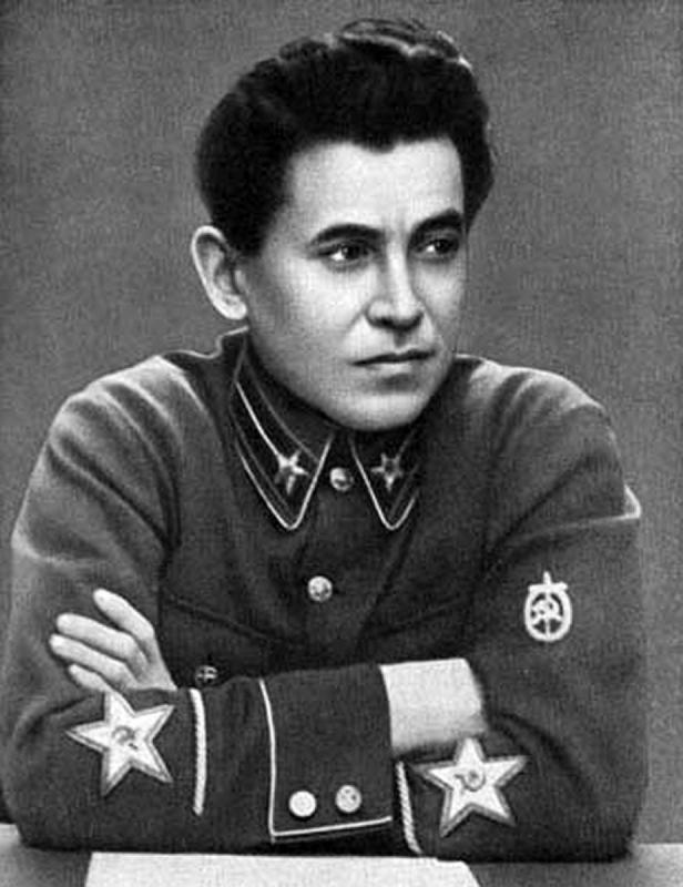 Сцена потеряла оперного певца, а НКВД в конце концов приобрел своего главу