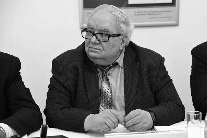 Умер Владимир Антонов