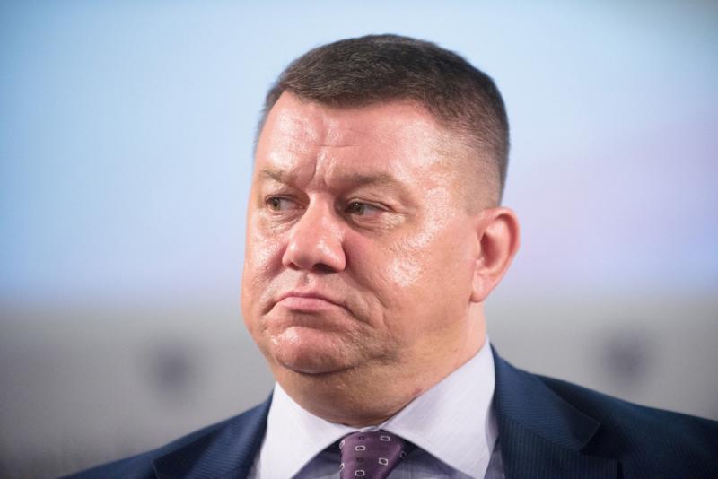 Максиму Макарычеву – 45
