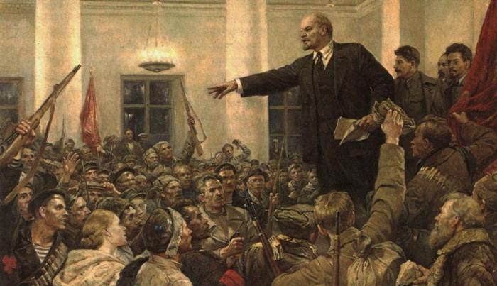 """«Ленин у него живой, """"жил, жив и будет жить"""" и он показан стереоскопично и убедительно — без всякого психоложества, внутренних монологов, реконструкций и сплетен»."""
