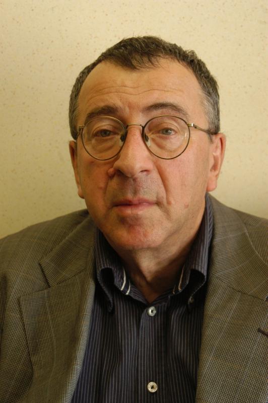 18 марта исполнилось 70 лет известному литературоведу, переводчику, критику, нашему автору Александру Яковлевичу Ливерганту