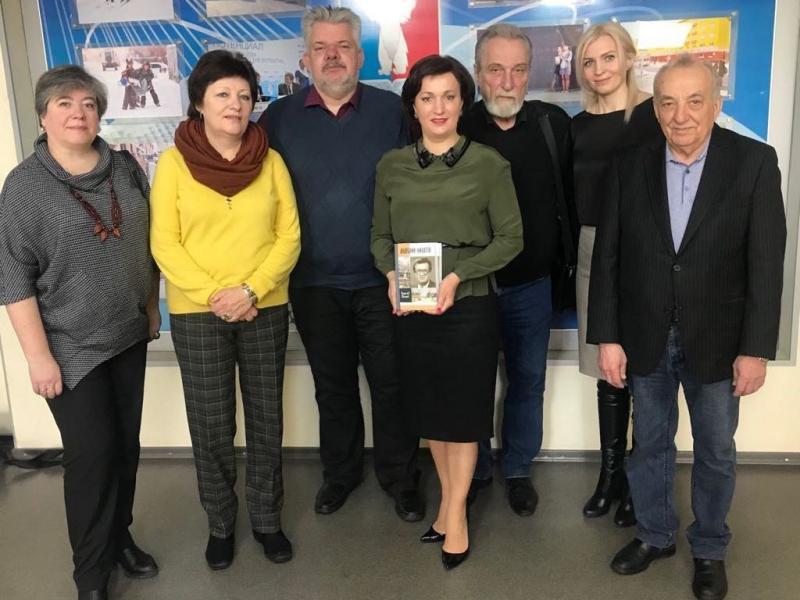 «ЖЗЛ» за полярным кругом: В Норильске представили книгу Владислава Толстова «Анатолий Филатов»