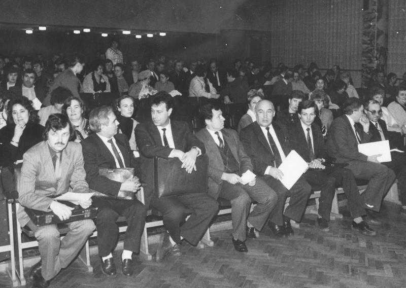 В 1991 году «Молодая гвардия» акционировалась – одной из первых в отрасли