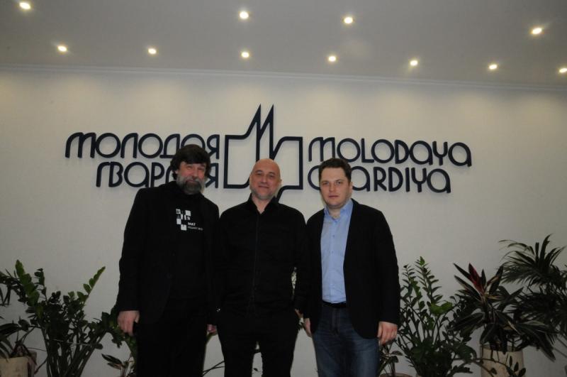 С главным редактором Андреем Петровым и исполнительным директором Романом Косыгиным