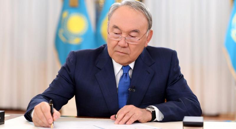 Нурсултан Назарбаев благодарит «Молодую гвардию»
